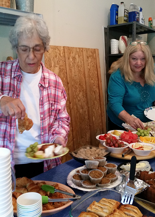 0918 - Breakfast buffet with Carol Grant and Mary Jane Drummond
